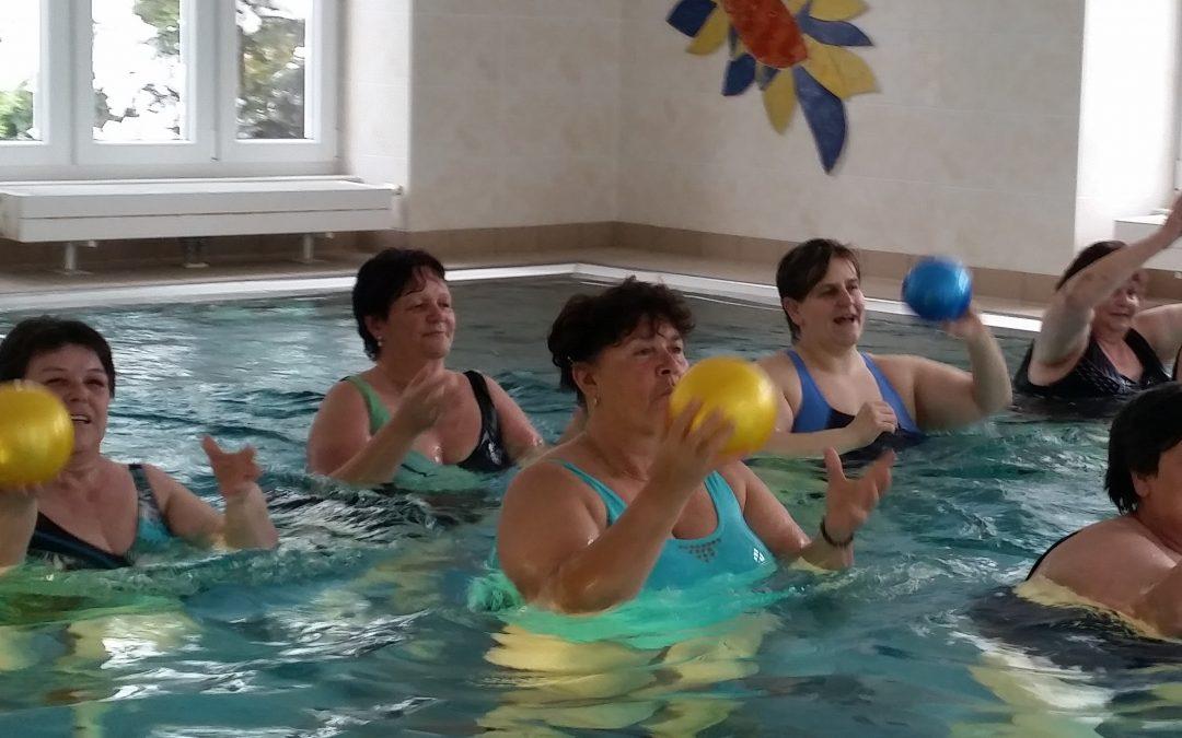 Wassergymnastik – Hallenbad